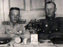 Пестов Николай Николаевич (слева)